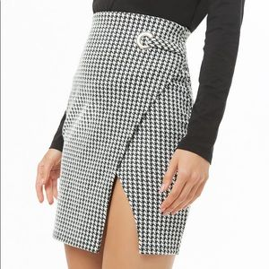 F21 Houndstooth Tulip Skirt!